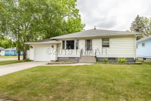1802 5TH Avenue S, Moorhead, MN 56560