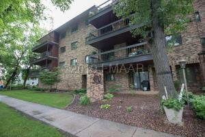 420 6 Avenue S, Fargo, ND 58103