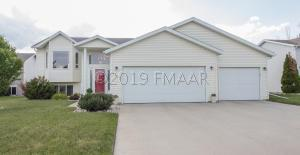 1562 BAYWOOD Drive, West Fargo, ND 58078