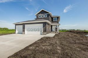 1526 6 Avenue NE, Dilworth, MN 56529
