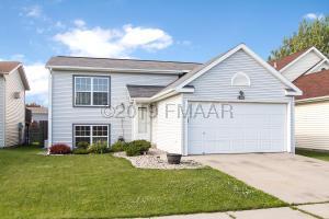 1821 57 Avenue S, Fargo, ND 58104