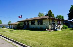 960 3RD Avenue NW, Valley City, ND 58072