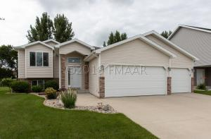 2614 57 Avenue S, Fargo, ND 58103