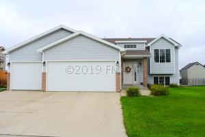 1802 42ND Avenue S, Moorhead, MN 56560