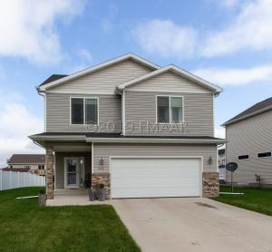 2613 56TH Avenue S, Fargo, ND 58104