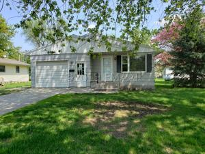 211 WOLCOTT Avenue, Larimore, ND 58251