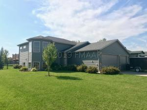 657 36 Avenue W, West Fargo, ND 58078