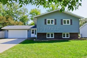 2505 WALNUT Circle, Moorhead, MN 56560