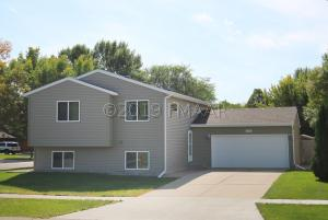 1502 28 1/2 Avenue S, Fargo, ND 58103