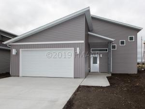 3223 39TH Avenue S, Moorhead, MN 56560