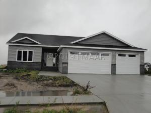 1322 LEGION Lane W, West Fargo, ND 58078