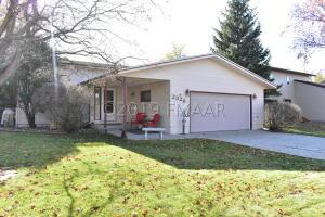 2326 26 1/2 Avenue S, Fargo, ND 58103