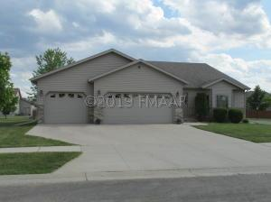 601 HAMPTON Drive E, Moorhead, MN 56560