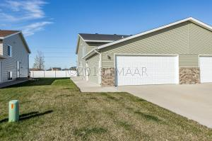 4863 55 Street S, Fargo, ND 58104