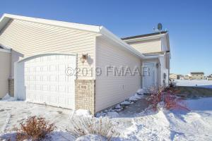 990 PARKWAY Drive, West Fargo, ND 58078