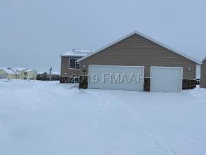6020 BENNETT Court S, Fargo, ND 58104