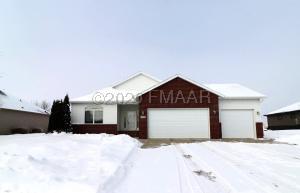 4739 WOODHAVEN Street S, Fargo, ND 58104