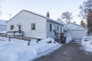 1612 4TH Avenue N, Moorhead, MN 56560