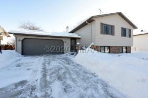 1708 23 Street S, Fargo, ND 58103