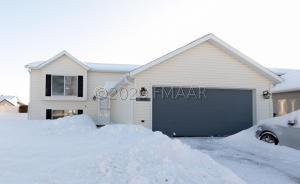 2918 35 1/2 Avenue S, Fargo, ND 58104