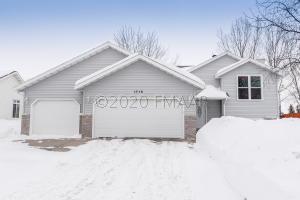 1718 33RD 1/2 Street S, Moorhead, MN 56560