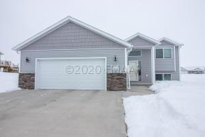 2449 VALLEY View, Hawley, MN 56549
