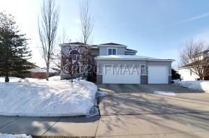 2202 ROSE CREEK Boulevard S, Fargo, ND 58104