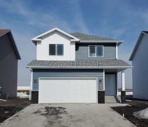 1090 HIGHLAND Lane W, West Fargo, ND 58078