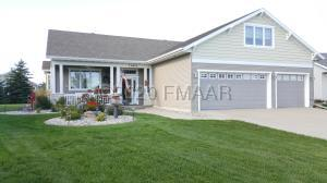 1464 STERLING Court, West Fargo, ND 58078