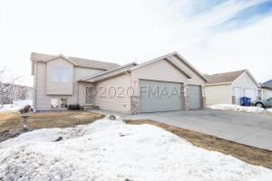 1102 4 Avenue NW, Dilworth, MN 56529