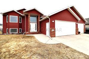 807 5 Avenue NE, Dilworth, MN 56529