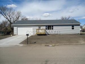 201 4 Avenue NW, Barnesville, MN 56514