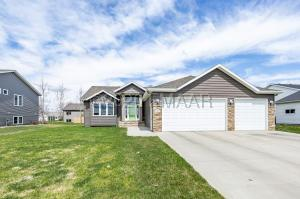 802 6 Avenue NE, Dilworth, MN 56529