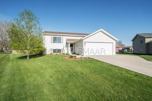 325 MERIDAN Circle, Mapleton, ND 58059