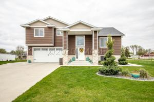 408 SEQUOIA Drive, Mapleton, ND 58059