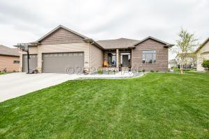 4273 49 Avenue S, Fargo, ND 58104