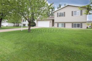 908 10 Avenue SE, Barnesville, MN 56514