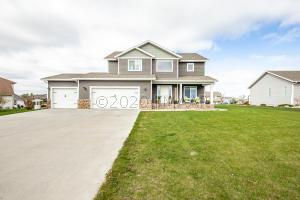 2433 VALLEY View, Hawley, MN 56549