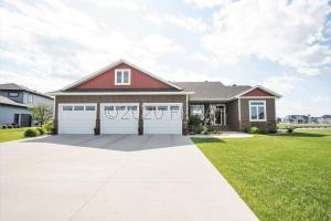 764 RIVER BEND Road, Oxbow, ND 58047