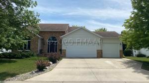 4037 2ND 1/2 Street S, Moorhead, MN 56560