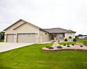 2320 RIVERS BEND DR. Drive E, West Fargo, ND 58078