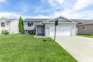 974 39 1/2 Avenue W, West Fargo, ND 58078