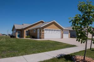 2269 57 Avenue S, Fargo, ND 58104