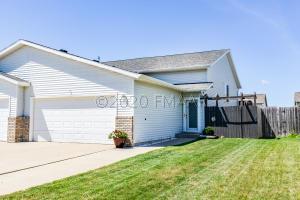 1851 49 Street S, Fargo, ND 58103