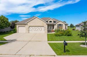 1709 ROSE CREEK Parkway S, Fargo, ND 58104