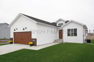 4529 BLUE STEM Way, Moorhead, MN 56560