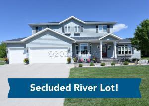 4541 RIVERWOOD Drive N, Fargo, ND 58102