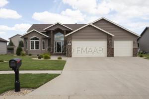 5066 HAWTHORNE Street S, Fargo, ND 58104