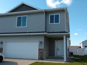966 31 Avenue W, West Fargo, ND 58078