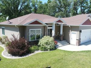 789 LAKE FOREST Circle, Detroit Lakes, MN 56501